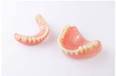 保険適応の総義歯